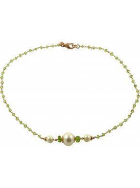 Peridot quartz chained necklace and fresh water pearls