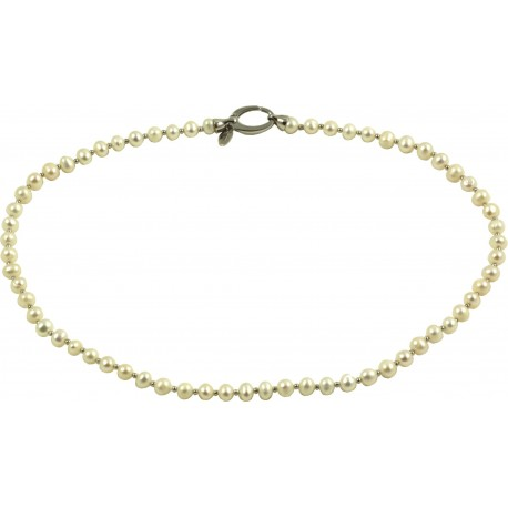 Basic choker white fresh water pearls, with oval silver clasp
