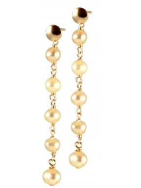 Minimal basic earrings with chained pink pearls