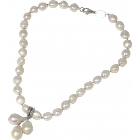 Choker white fresh water pearls with pendant