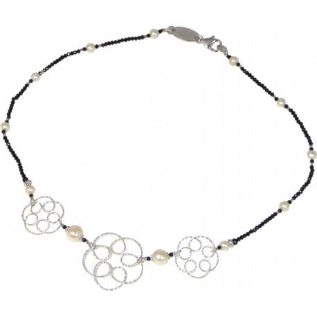Choker black spinel and rhodiated silver flowers