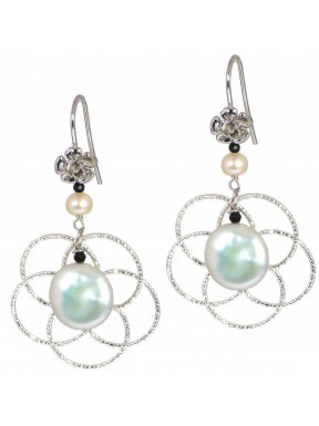 Earrings rhodiated silver flowers, fresh water pearls and black spinel