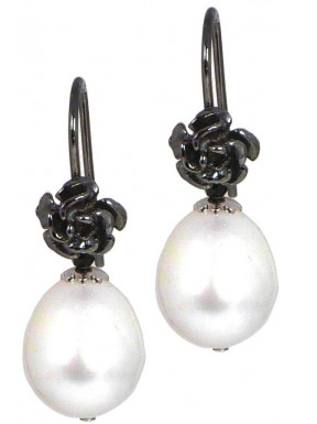 Earrings fresh water pearls and black spinel with black rhodiated silver flowers